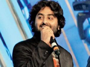 Arijt Singh famous for songs like tum hi ho, saawan aay hai, sanam re and many more hit songs